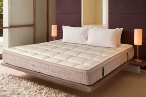 dreamcloud-mattress-firm